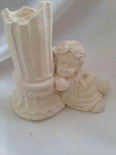 Angelo seduto con colonna portacandela in pietra leccese e polvere di ceramica, bomboniera, segnaposto, di AgsCreazioni su Etsy