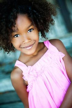Adorable #curly girl.