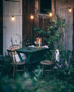 Garden Design For Kids - Carpets Mag Rustic Outdoor, Outdoor Dining, Outdoor Spaces, Outdoor Decor, Zen Garden Design, Outside Living, Interior Exterior, Shade Garden, Garden Styles