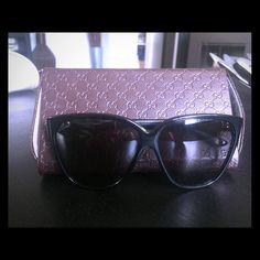 Black Gucci Sunglasses Gucci black sunglasses model 3539S GAYEU. Worn a couple of times. No scratches or anything. Gucci Accessories Sunglasses
