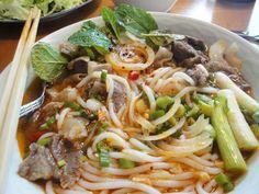 Rindfleischsuppe nach Art von Huế / Bún bò Huế