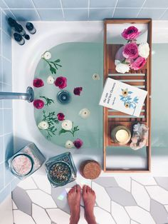 Bath Rituals + My Go-To Bath Salt Blend + Body Oil Recipes – Wu Haus Creating a bath time ritual is one of my favorite ways to practice self care. I love making over-the-top baths (proof here, here and here) and really taking the time… Jewel Candle, Entspannendes Bad, Dream Bath, Decoration Inspiration, Best Bath, Relaxing Bath, Bath Salts, Design Thinking, Bath Time