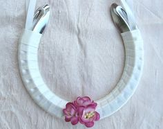 decorated horseshoes with ribbon | ... Flower Petal Confetti, Wedding Horseshoes, Bridal Horseshoe, Lucky
