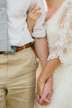 love this wedding pose