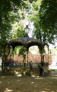 A beautiful bandstand in a beautiful park. Maybe I will play my violin there someday. Beau Site, Ville France, Garden Architecture, White City, Marquise, Parcs, Strasbourg, Grand Tour, Gazebo