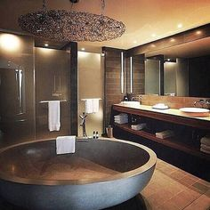 What a tub....love it.