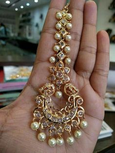 Fulfill a Wedding Tradition with Estate Bridal Jewelry Tika Jewelry, Head Jewelry, Pendant Jewelry, Jewelry Sets, Gold Earrings Designs, Gold Jewellery Design, Necklace Designs, Temple Jewellery, Antique Jewellery