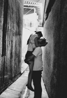 kiss her in the street