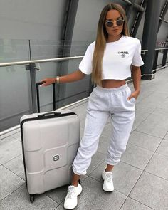 Cute Lazy Outfits, Chill Outfits, Sporty Outfits, Teen Fashion Outfits, Mode Outfits, Look Fashion, Stylish Outfits, Winter Fashion, Fashion Women