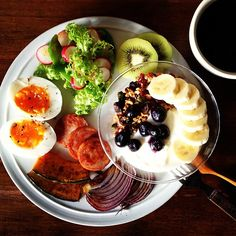 Today's breakfast. Homemade Granola. 久しぶりの自家製グラノーラ。オートミールに、くるみ、アーモンド、ピスタチオ、ひまわりの種、ドライマンゴー、ドライレーズン、ドライクランベリー、ココナッツロングなどなど、盛りだくさん。 - @keiyamazaki- #webstagram