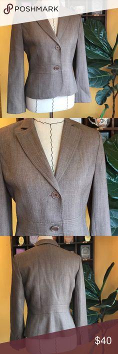 "Ann Taylor wool blazer, size 6P, sleeve 22.5"" EUC! Ann Taylor wool blazer, size 6P, sleeve measures 22.5"", EUC! Ann Taylor Jackets & Coats Blazers"
