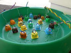 jeu de pêche à la ligne Diy Crafts For Teens, Diy For Kids, Diy And Crafts, Infant Activities, Preschool Activities, Simple Math, Carnival Games, Halloween Games, Paper Straws