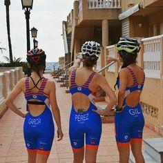 #Repost @_girls_impulsotri  Ningún soñador es pequeño y ningún sueño es demasiado grande.   #triatlon #triathlon #triathlete #triatleta #cycling #bike #swim #beach #swimbikerun #instagirls #sportlife #healthylifestyle #enjoylife #picoftheday #triimpulso #trigirls #taymory #atopesiempre #weareateam