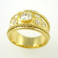 Romanesque ring in 18-carat yellow gold, set with old-cut diamonds
