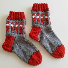 Ravelry: Dancing Elves pattern by DROPS design Christmas Stocking Pattern, Christmas Knitting, Christmas Stockings, Christmas Ideas, Xmas, Drops Design, Elves, Crochet Projects, Ravelry