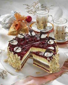 Unser beliebtes Rezept für Nougat-Preiselbeer-Torte und mehr als 55.000 weitere kostenlose Rezepte auf LECKER.de.