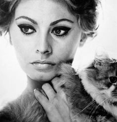 Sofia Loren- always loved her makeup. Cat liner and natural pink lip