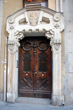 Portal Art Nouveau en la calle Mayor, Madrid