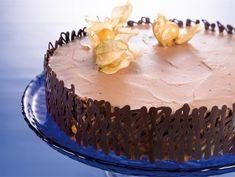 Appelsiini-suklaamoussekakku | Valio Chocolate Mousse Cake, Chocolate Orange, Orange Mousse, Something Sweet, Cute Cakes, No Bake Desserts, Coffee Cake, Cheesecakes, Cake Recipes