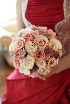 ギャラリー|ウェディングのブーケ・会場装花ならSeul et seuil シュルエスイユ Pink Bouquet, Bouquets, Flower Girl Photos, Bordeaux, Flower Arrangements, Weddings, Wedding Dresses, Floral, Flowers