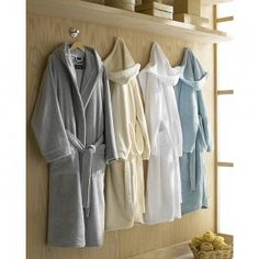 Contempo Bathrobes: Kassatex® Contempo #Bathrobes are made of 100% Mesopotamian Turkish Cotton with a Cozy hooded robe. These Bathrobes are famous for their Beautiful piping tone on tone, and also their irresistibly soft and notably absorbent and quick drying.