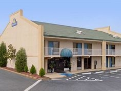 Located in Norcross City Center, Days Inn Norcross Atlanta NE Jimmy Carter Blvd is a perfect starting point from which to explore Norcross (GA). The hotel offers guests a range of services and amenities designed to provide comfort and convenience. Last Minute Hotel Deals, Best Hotel Deals, Cheap Hotels, Find Hotels, Atlanta Hotels, Us Destinations, Jimmy Carter, Hotel Stay