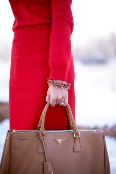 1.13 a little v Accessorize Shoes, Prada Saffiano, Devil Wears Prada, Prada  Bag 670de7e59b