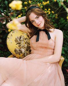 Emma Watson http://www.emmawatsonphotos.org/