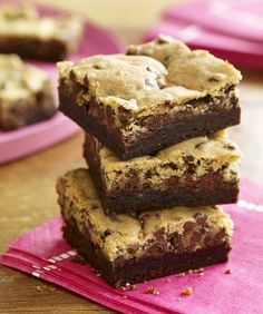 Two favorites, chocolate chip cookies and brownies, are combined into an indulgent #crownie #recipe.