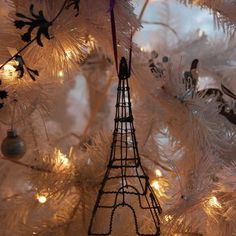 Modern Spaces Christmas Tree Design, Pictures, Remodel, Decor and Ideas