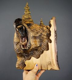 Grizzly en talla de madera madera Arte Mural animal por DavydovArt
