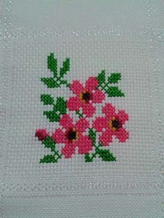 This Pin was discovered by Eli Cross Stitch Boards, Cross Stitch Bookmarks, Beaded Cross Stitch, Cross Stitch Rose, Cross Stitch Flowers, Cross Stitch Embroidery, Cross Stitch Designs, Cross Stitch Patterns, Henna Patterns
