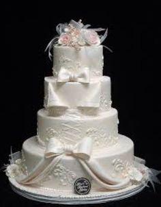 Elaborate Wedding Cakes by Freeds Bakery Las Vegas Wedding Cake Cookies, Wedding Cakes With Cupcakes, White Wedding Cakes, Elegant Wedding Cakes, Wedding Cake Designs, Cupcake Cakes, Lace Wedding, Gorgeous Cakes, Pretty Cakes