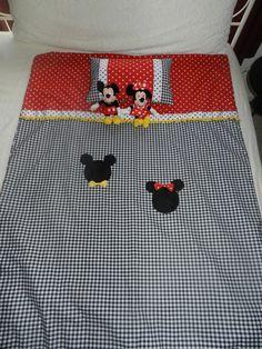 Mickey y Minnie Mouse cuna/Toddler cama por BetsysBabyBoutique19