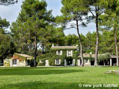 An idyllic ivy-covered #vacation #rental #cottage in #Provence.  http://www.nyhabitat.com/south-france-apartment/vacation/1186