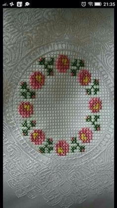 This Pin was discovered by zuh Cross Stitch Rose, Cross Stitch Borders, Cross Stitch Baby, Cross Stitch Flowers, Cross Stitch Designs, Cross Stitching, Cross Stitch Embroidery, Cross Stitch Patterns, Hand Embroidery Design Patterns