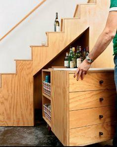 Como aproveitar o espaço debaixo da escada - Yahoo! Mulher