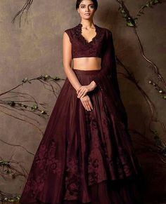 Trendy Garden Wedding Guest Attire Outfit 30 Ideas - New Sites Indian Attire, Indian Wear, Indian Style, Indian Ethnic, Indian Dresses, Indian Outfits, Indian Clothes, Shyamal And Bhumika, Indian Bridesmaids