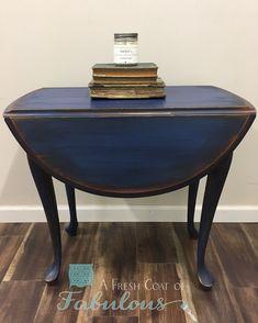 A Fresh Coat of Fabulous :l: CeCe Caldwell's Chalk + Clay Paint :l: Windsor Blue ;L: Sedona Red :l: Aging Cream @cececaldwellspaints #sedonared #windsorblue #glaze #agingcream #copperwax #afreshcoatoffabulous #commissionedwork #furnitureisart #bebold #paintedfurniture #furniture #instahome
