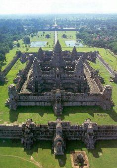 (Angkor Wat, Cambodia) Zyneste temple ruins