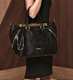 Classy Bag blach and gold Liu Jo, Winter Collection, Louis Vuitton Speedy Bag, Fashion Addict, Fall Winter, Classy, Handbags, Purses, Pattern