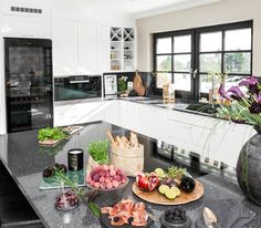 Designer og stylist: Nina Th. Fredrikstad, Kitchens, Table Settings, Studio, Design, Home Decor, Decoration Home, Room Decor, Cuisine