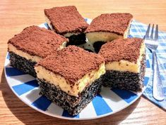 Mákos-krémes szelet Poppy Cake, Tiramisu, Food And Drink, Favorite Recipes, Sweets, Meals, Cookies, Baking, Ethnic Recipes