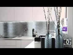 """Patterned Mirror"" Toughened Glass Kitchen Splashback - CreoGlass - YouTube View more toughened mirror kitchen splashbacks and non-scratch worktops on www.creoglass.co.uk #kitchen #interiors"