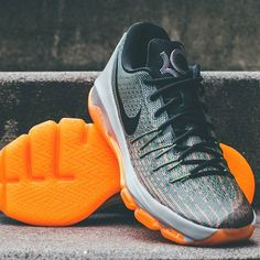 @NikeBasketball goes across the pond for the KD8 'Easy Euro'  Check out additional images and read more about this upcoming release on FeaturedFootwear.com. Link in bio! by featuredfootwear #SoleInsider