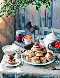 Afternoon tea scones are a quintessential part of British culture. Learn how to make the best scones using some of our favorite tried and tested scone recipe, and how to serve them with a lovely cu… Breakfast And Brunch, Tea Recipes, Sweet Recipes, Scone Recipes, Recipies, Vegan Teas, Cream Scones, Afternoon Tea Parties, Strawberries And Cream
