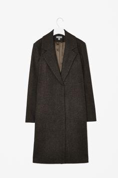 Oversized collar coat