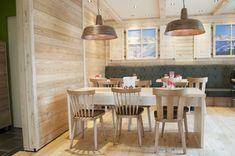 Einrichtung #Bäckerei und #Café, Stuhl Hannes und Mika, natur lackiert. Stuhlfabrik Schnieder Lüdinghausen
