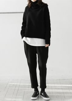 Loose black and white casual outfit death-by-elocution Tomboy Fashion, Look Fashion, Korean Fashion, Fashion Outfits, Womens Fashion, Fashion Clothes, Normcore Fashion, School Fashion, Fashion Black