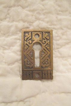 1 vintage brass key hole finding decorative   #rarefinds4u #bridal #tray #broom #sunburst #CakeDecoration #VintageHorse #VintageLight #RetroPicture #TurnOfTheCentury